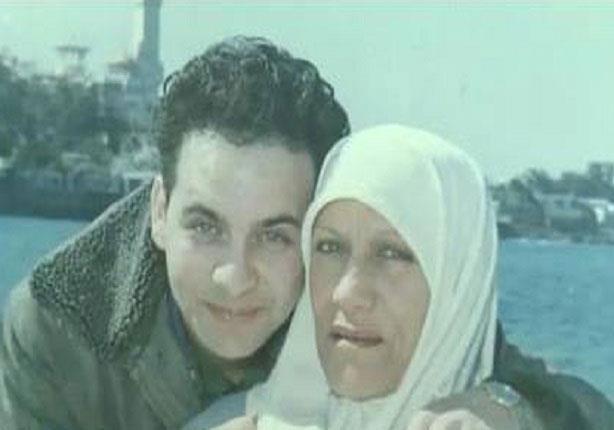 مصطفى قمر ووالدته
