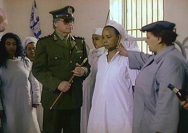فايزة عبد الجواد اشهر كومبارس في السينما.