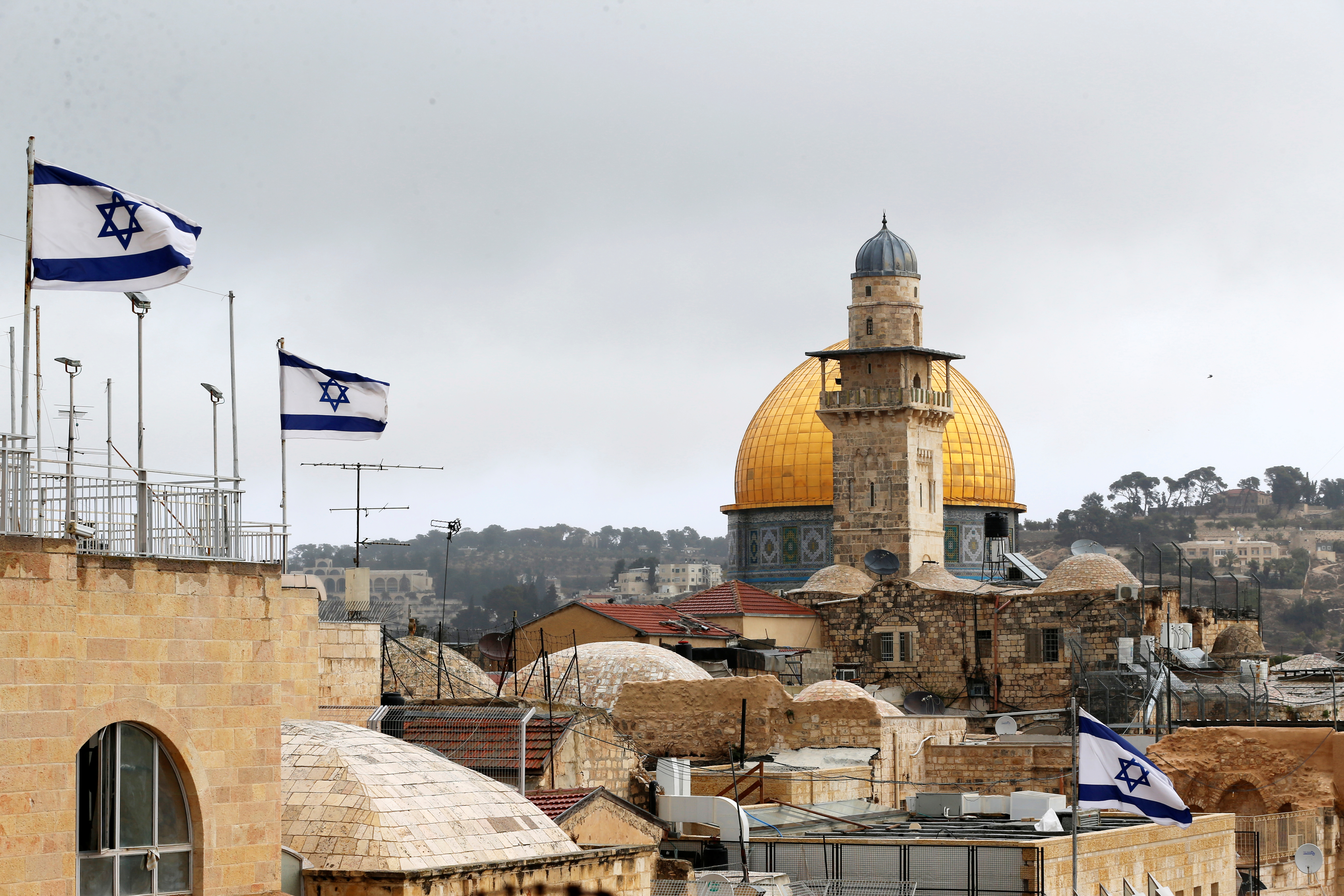 قوات الاحتلال الإسرائيلية تستفز الفلسطينيين قبل إعلان ترامب