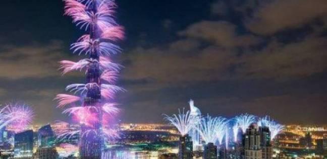 الإمارات تسحر العالم باحتفالات الكريسماس
