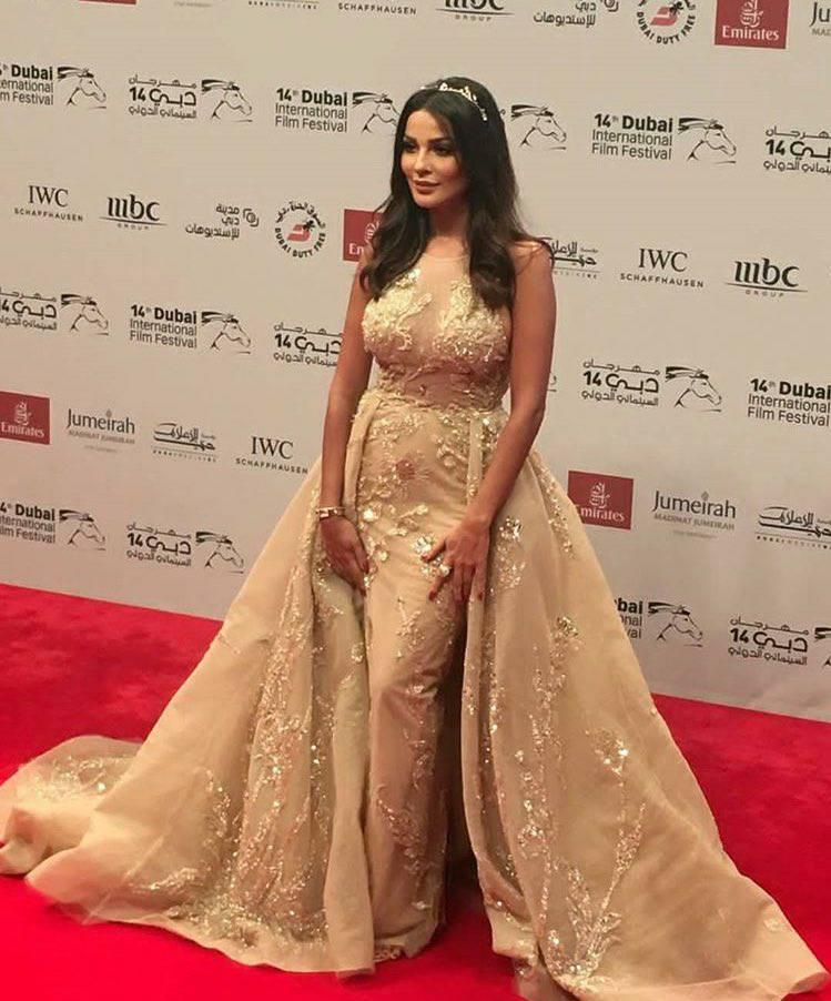 نادين نسيب نجيم بإطلاله ملكية بمهرجان دبي