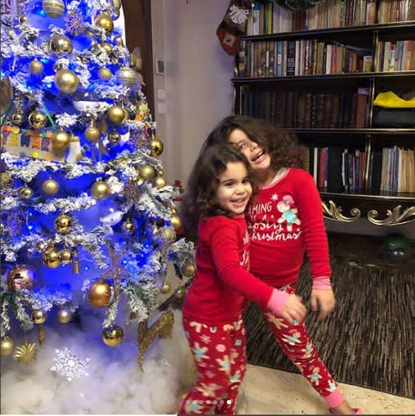 عائلة عماد متعب تحتفل بالكريسماس