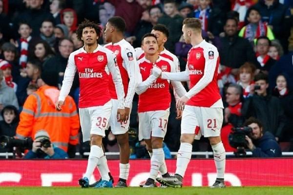 آرسنال يوقف قطار مانشستر يونايتد ويفوز عليه بثنائية في الدوري الإنجليزي