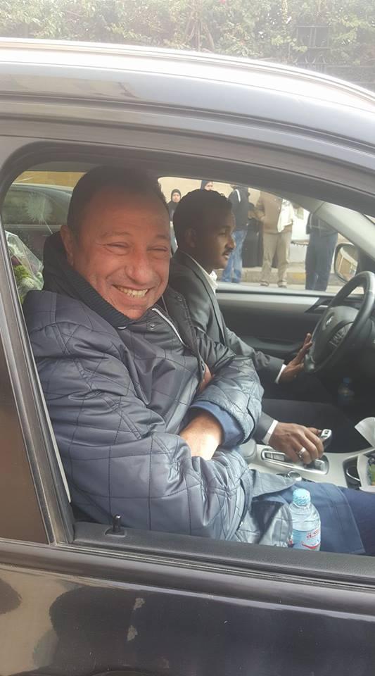 أول صورة لمحمود الخطيب بعد خروجه من المستشفى
