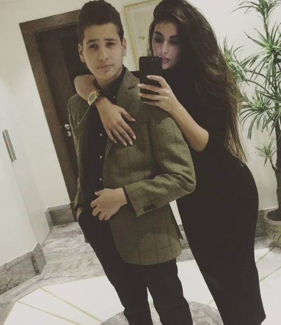 ياسمين صبري رفقة شقيقها