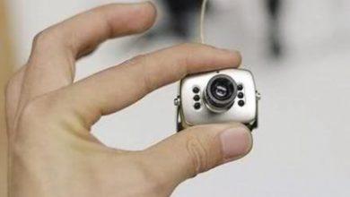 كاميرات مراقبة أمام حمامات السيدات