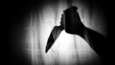 شاب يقتل حماته «المستفزة» ويصيب خطيبته بجروح