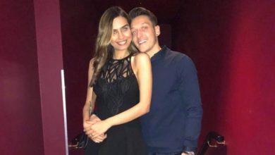 مسعود أوزيل يفاجئ خطيبته الممثلة التركية