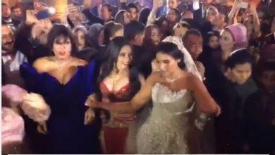 وصلة رقص مثيرة للفنانة فيفي عبده ودينا من حفل زفاف ابنة خالد عجاج