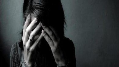 «زوجي يعاشر رجال الخليج مقابل المال».. ابتسام تطلب الخلع أمام محكمة الأسرة