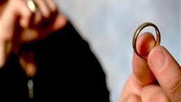 إيناس تطلب الخلع أمام محكمة الأسرة: «زوجي يمارس العادة السرية»