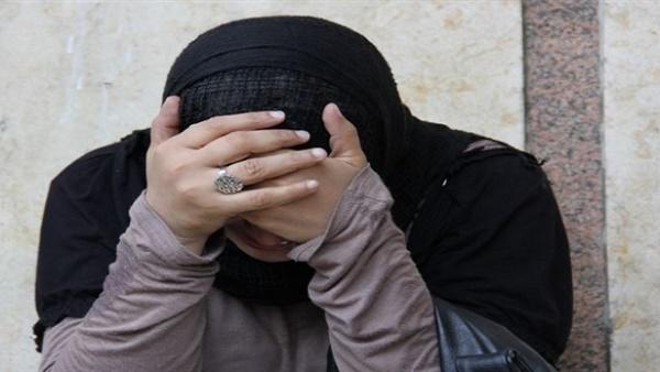 تهاني تطلب الخلع أمام محكمة الأسرة: «زوجي يجبرني على معاشرة أصدقائه»