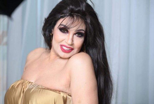 بعد عودتها للرقص.. فيفي عبده تثير الجدل ببدلة رقص غريبة في حفل رأس السنة