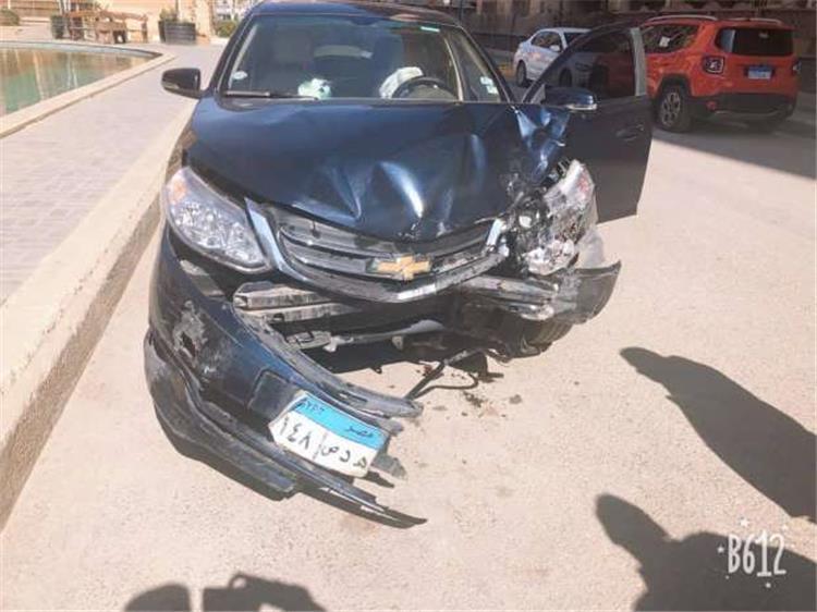 نجم بيراميدز يتعرض لحادث مشين وتدمر سيارته (صور)