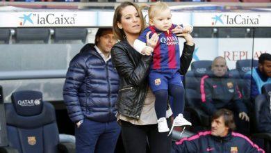 لحظة رومانسية بين راكيتيتش وزوجته خارج برشلونة