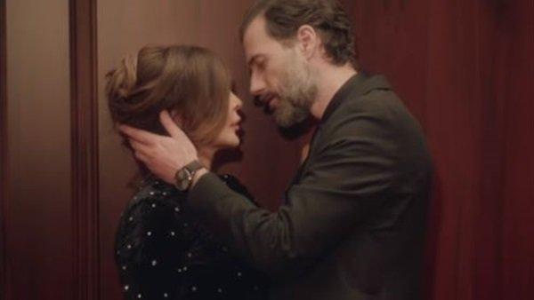 مخرجة كليب إليسا : في مشهد القبلة كانت تبعد الموديل عنها.. وهذا ما فعلته