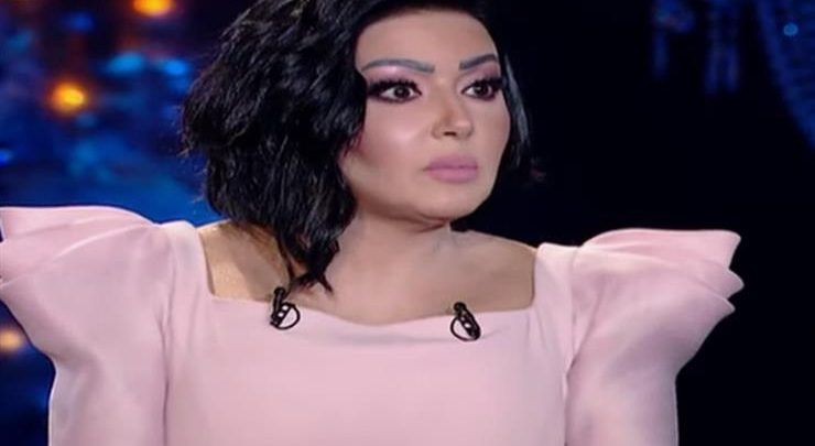 سمية الخشاب : أحمد سعد كان هيقتلنى وفقدت جزء من جسدي بسببه بالفيديو