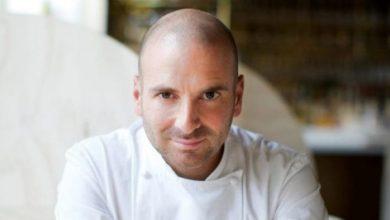طباخ شهير يلتهم أجور 515 موظفًا في مطعمه